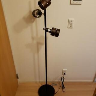 ニトリ フロアランプ ウッドリング  電球付き - 横浜市