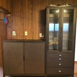 IKEA、食器棚、本棚