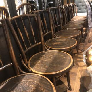 IDEA 代官山のデザイナー椅子