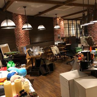 ガレージセール|レストランで使ってた家具、食器、オフィス用品など!