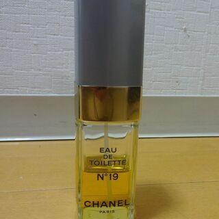 シャネル 香水 オードトワレ N°19 (満量時100ml) NO19 EAU DE TOILETTE CHANELの画像