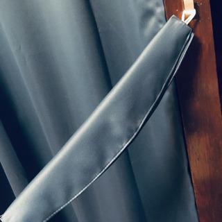 【引き渡し終了】遮光カーテン 幅100cm×丈178cm 遮光性 無地カーテン 2枚組 - 家具