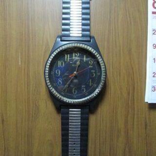 腕時計型 大型掛け時計です お届け致します。