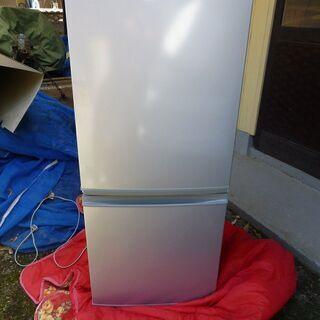 シャープ製 冷凍冷蔵庫 SJ-V14S-S 中古