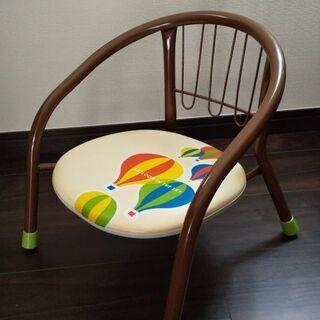 子供用の椅子 300円