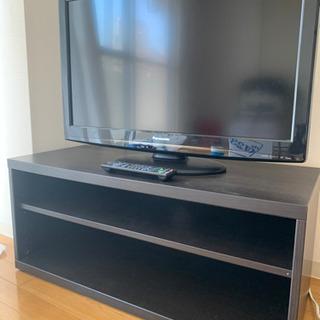Panasonic VIERA 32型テレビとテレビボード