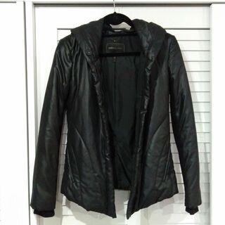 BCBG MAXAZRIA 黒の中綿ジャケット XS シルエット...