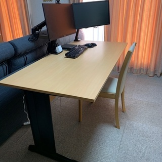 PCデスク リモートワーク ホームオフィス