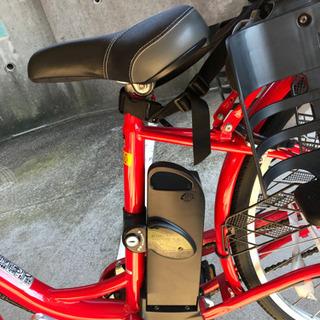 電動自転車!子供が乗れるようになっています。