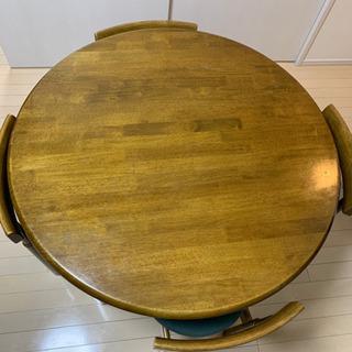 丸テーブル・イス4脚セット