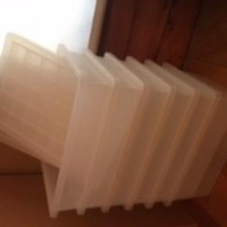 無印良品 ポリプロピレンふたつきボックス小  100円