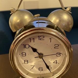 目覚まし時計差し上げます