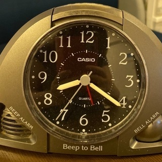 CASIOの目覚まし時計差し上げます