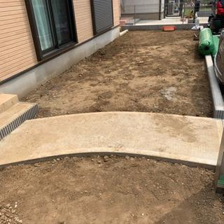 人工芝、砂利敷き、施工いたします。
