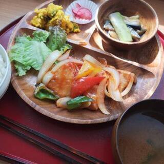 無農薬野菜とアクセサリーを販売している、身体に優しい食堂です☆ - 札幌市
