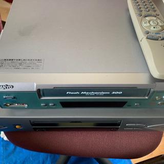 VHS Video ビデオ プレイヤー 現状中古品になります。ジ...