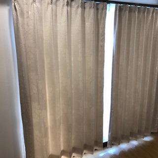 ニトリ レース付きカーテン 縦180.横140 二枚セットの画像