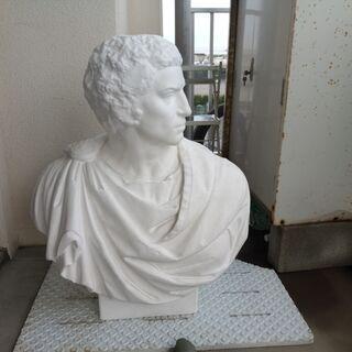 ブルータスの石膏像