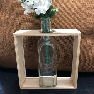 オシャレな木枠付き 花瓶 ①