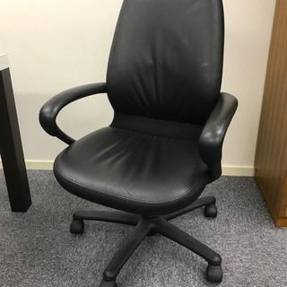 革張り椅子2