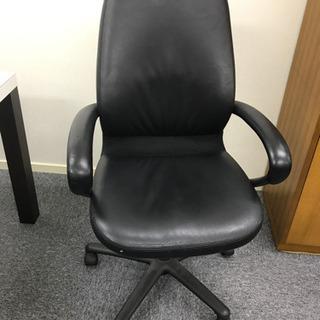 革張り椅子1