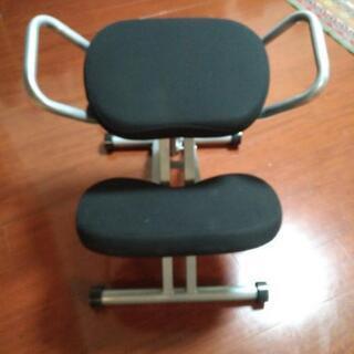 バランスチェア ニーリングチェア 姿勢がよくなる昇降椅子