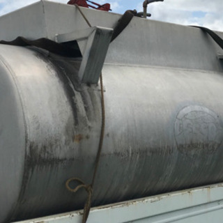 タンクローリーのアルミタンク