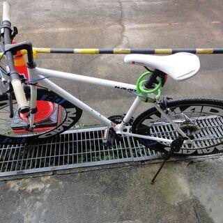 クロスバイク 700c 軽量 アルミフレーム 自転車 シマノ21...