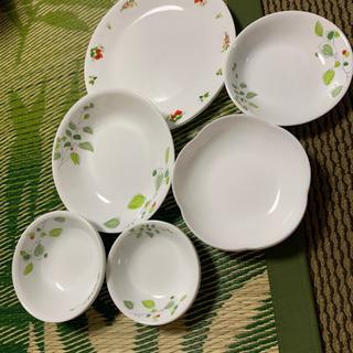 コレール8枚+花型皿2枚 お値下げしました!