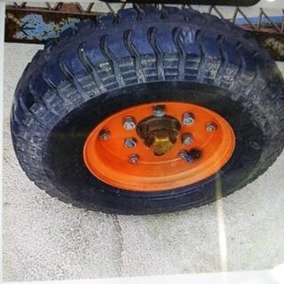 トレーラーのタイヤ、ホイール