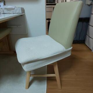ニトリ、デコホーム購入の椅子用クッション2つセットです♪