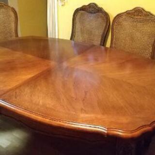 ロココ様式ダイニングテーブル