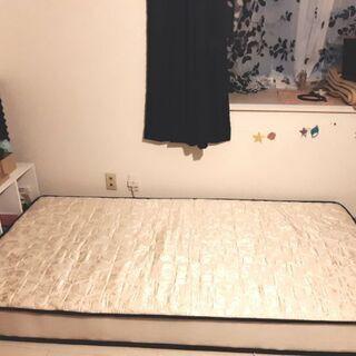 ベッドマット&カラーボックス 3000円でお譲りします