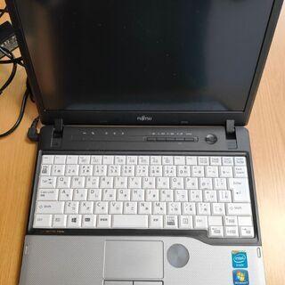 12.1 型 B5 FUJITSU FMVシリーズ メモリ4GB...