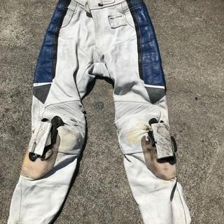 プリカーナ革パンツ LLの画像