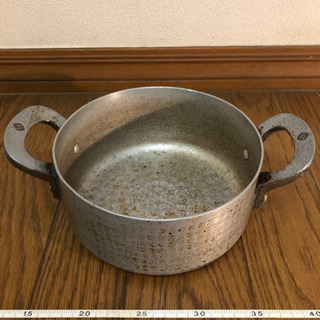 鉄製の鍋 直径20センチ