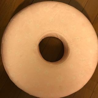 妊婦用 ドーナツ座布団 未使用 アカチャンホンポ