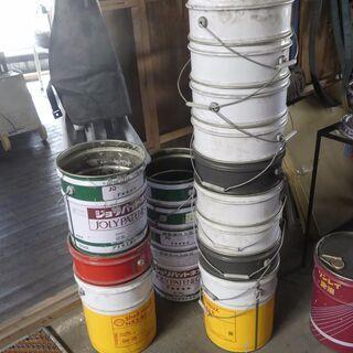 ペール缶、オイル缶、資材缶、スチール空缶。ロケットストーブづくり資材に