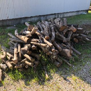 薪の原木 薪ストーブなどに 配達可