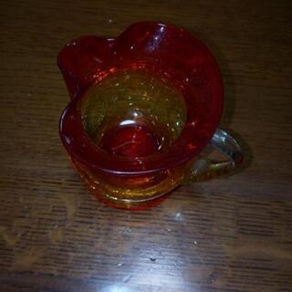 【ネット決済】ヒビの模様の入った赤いガラスのコップ