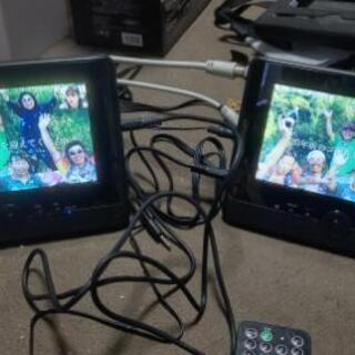 DVDプレーヤー&フルセグTV搭載7インチツインモニター