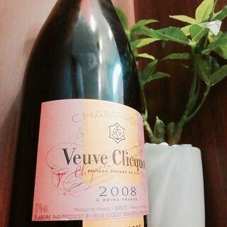 シャンパン ヴーヴ・クリコ イエロー等 買取できます!