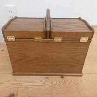 8-038 裁縫箱 茶色 収納スペースたくさん