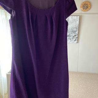 紫色ワンピース