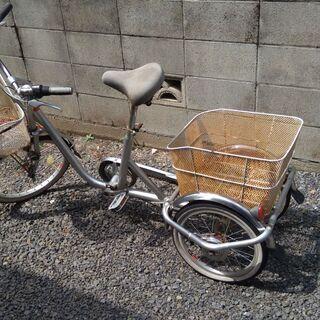 三輪自転車あげます。お年寄りに向いています。大きなかごがあります...