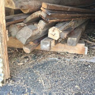お風呂屋さんに使うような木材廃材
