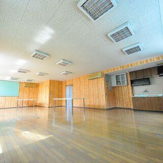 【徳島市城東町テナント】1階倉庫+車庫 2階は77㎡の事務所です...