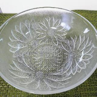サラダボウル 大鉢 中鉢 深鉢 ガラス 食器 レトロ 花 切り子 深皿