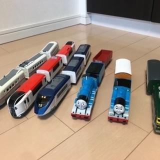 プラレール 列車とレールのセット トーマス こまちなど