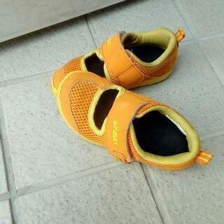 中古品 アシックス15.5センチ 水陸兼用靴